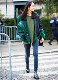 Throwback levi's denim jacket and chelsea boots outfit. How To Wear Chelsea Boots With Everything You Already Own Who What Wear Uk