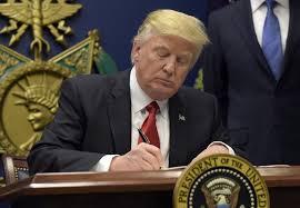 واشنطن - ترامب يفرض قيودا على الدخول الى أمريكا من إيران وليبيا والصومال ودول أخرى