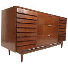 American Of Martinsville Bedroom Furniture Mid Century Modern Walnut Dresser By American Of Martinsville