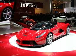 Ferrari plans two derivatives on the LaFerrari for 2015