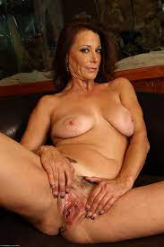 Naked Milfs Over 40 Year Old