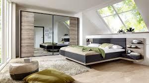Schlafzimmer Mit Doppelbettgestell Und Schwebetürenschrank Sanremo