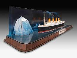 Official website of Revell GmbH   RMS Titanic + 3D Puzzle (Iceberg) - Revell