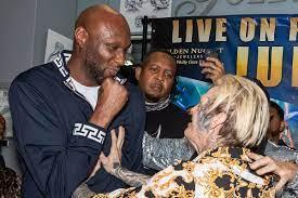 Video: Lamar Odom TKOs Aaron Carter in ...