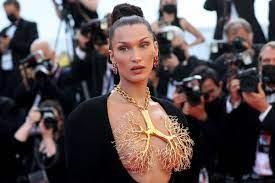 Bella Hadid wears giant golden lung ...