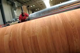 roll of vinyl flooring laminate flooring roll laminate flooring installing vinyl flooring rolls roll vinyl flooring roll of vinyl flooring
