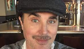 Giovanni Scialpi presents his new love: the photos of his boyfriend who is  35 years younger than him - Ruetir