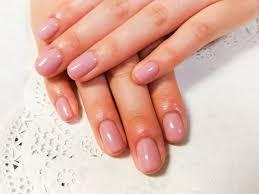 飲食店でのネイルはあり適切な爪の長さは指の先まで気を配ろう
