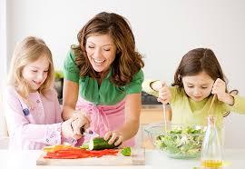 Kết quả hình ảnh cho bé chọn món ăn
