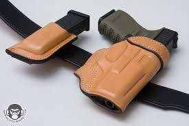 i had an opportunity to try something a little diffe here some classic style leather for a modern day concealed carry setup