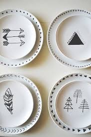 urban nester: diy decorated plates - plain white plates from the dollar  store & sharpie!