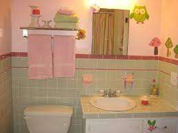 Pink Tile Bathroom Decorating Ideas Best 25 Pink Bathroom Tiles ...