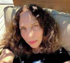 """Kadraj Magazin on Twitter: """"Sertab Erener: """"Artık çocuk doğurmayın! Bence  artık cidden çoğalmamamız gerekiyor. Fareden beter olduk, onlar bile bizden  daha az ürüyor olabilir.""""… https://t.co/M2Xuvow3Jy"""""""