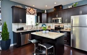 Dark Kitchen Cabinets With Light Granite Dark Cabinets Light