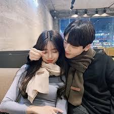 Berikut penjelasan bahasa korea panggilan sayang lengkap dengan contoh kalimat ungkapan cinta. Panggilan Sayang Dalam Bahasa Korea
