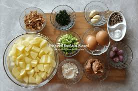 100 gram kornet (corned beef) 2 butir telur, kocok lepas; Resep Perkedel Kentang Kornet Agar Tidak Mudah Hancur Resep Neti