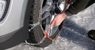 How To Put On Snow Chains And Drive Safely Les Schwab