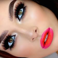 apply eyeshadow how to wear makeup with gles how to wear part makeup pro content writer