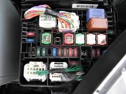 stalling charging issue toyota yaris forums ultimate yaris the fuses i am talking about are the right hand brown 7 5a fuse on the bottom row and the missing large fuse on the same row 3 fuses to the right
