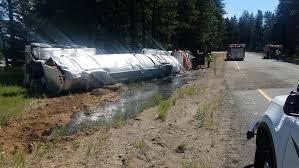 Liquid Asphalt Rolled Over Tanker Spills 3 500 Gallons Of Liquid Asphalt Near Cle