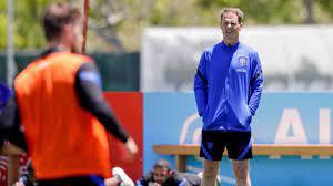 EM 2021: Oranje-Trainer Frank De Boer verwechselt Spieler - Fussball - Bild. de