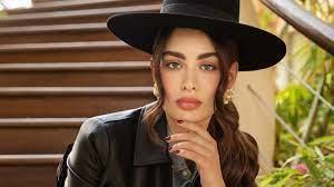 وفاة والدة الفاشينيستا الكويتية روان بن حسين بعد صراع مع المرض