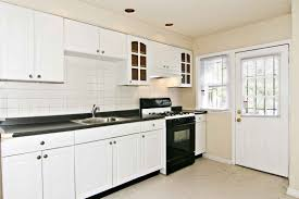 Kitchen Backsplashes With White Cabinets Black Kitchen Stove Decor