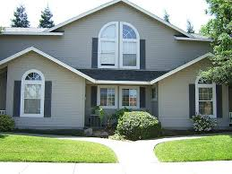 exterior house paintWhat to Consider of Exterior House Painting