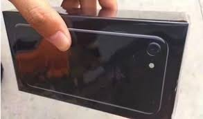 iphone 7 plus black unboxing. apple iphone 7 unboxing - jet black vs matte packaging iphone plus