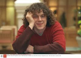 """Alan Davies: """"We're making a mess of our culture."""" - Reader's Digest"""