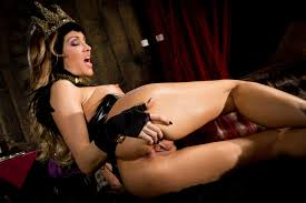 Five Question Quickie with Snow White XXX s Wicked Queen Jessica.