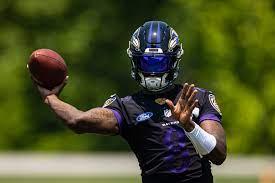 Ravens' Lamar Jackson avoids money talk ...