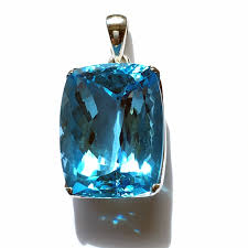 faceted blue topaz pendant