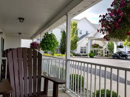 bluegate garden inn. Blue Gate Garden Inn Patio Bluegate