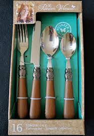 pioneer woman silverware. pioneer woman cowgirl lace natural wood flatware set 16-piece new service for 4 silverware c