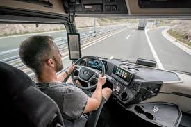 Mercedes benz powertrain external sales 2020. World Premiere Of The New Mercedes Benz Trucks Flagship In Berlin The New Actros With Active Drive Assist Mercedes Benz Trucks Puts Partially Automated Driving Into Series Production Daimler Global Media Site