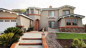The Striped Wall Summer Slump - Dunn edwards exterior paint colors