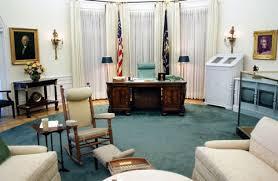 desk in oval office. Image Desk In Oval Office