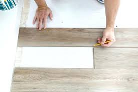 how to install flooring installing vinyl plank flooring cutting end pieces install vinyl plank flooring around