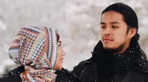 film jilbab traveler love sparks in