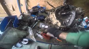 Yamaha Grizzly 660 Replacing the chain oil pump - YouTube