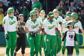 Shannon Rhodes powers Ducks to 7-0 win and series sweep over Beavers |  Softball | dailyemerald.com