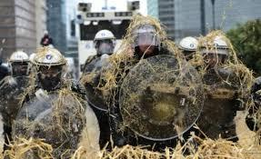 """Résultat de recherche d'images pour """"agriculteurs en colère"""""""