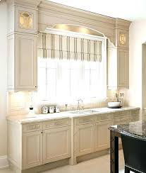 benjamin moore cabinet paint paint kitchen cabinets similar kitchen cabinet paint color paint colors winds breath