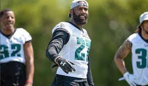 it s not everyday that you hear about a professional sports organization bail people out of jail but that s exactly what the philadelphia eagles did