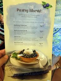 independent restaurant review la madeleine dunwoody atlanta i usually end up here for a quick lunch you queue up in a continually flowing line and end up at a table somewhere it s a little confusing as you
