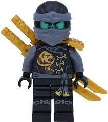 LEGO Ninjago: Minifigur Cole als Geist Skybound mit GALAXYARMS  Doppelklingenschwert: Amazon.de: Spielzeug