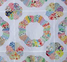178 best Quilts ~ Dresden Plate images on Pinterest | Quilting ... & Ferris Wheel Quilt Top - - -looks like a variation of a Dresden plate Adamdwight.com
