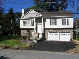 This Is A Bilevel Home A Friend Of Mine Told Me About It Saying - Split level exterior remodel
