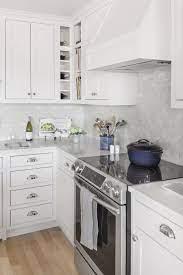 51 Kitchen Tile Backsplash Ideas To Show Off Your Style White Modern Kitchen Stylish Kitchen Gorgeous Kitchen Tile